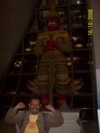 Patung di Suvarnabhumi